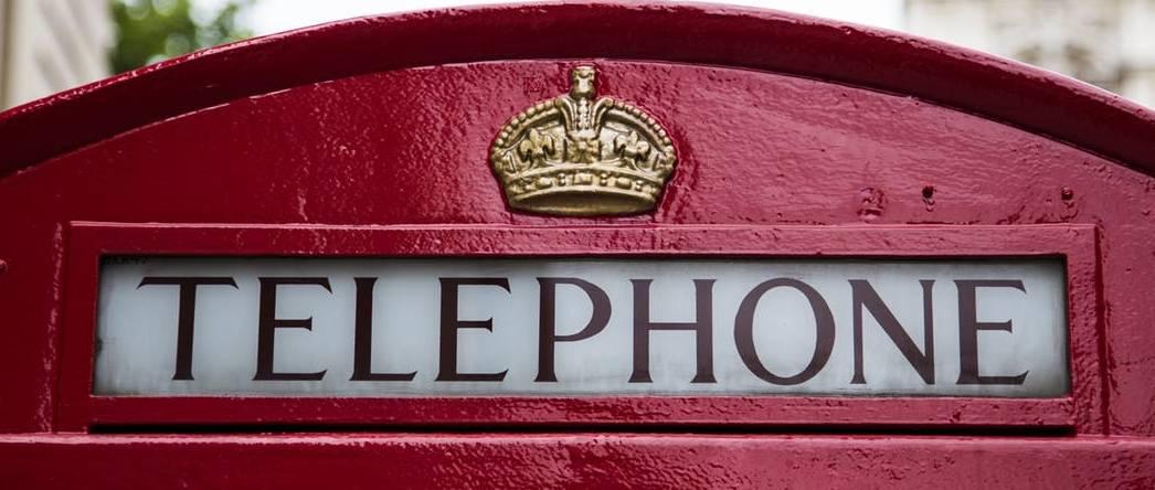 brytyjska budka telefoniczna